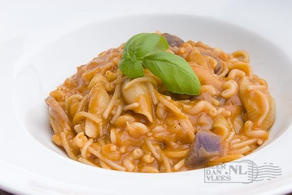 Pasta met Vitelotte Noire – pasta e patate nere