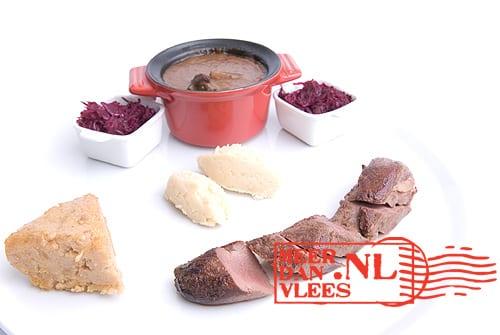 Hazenfilet met hazenpeper, polenta van kastanjemeel en rode kool