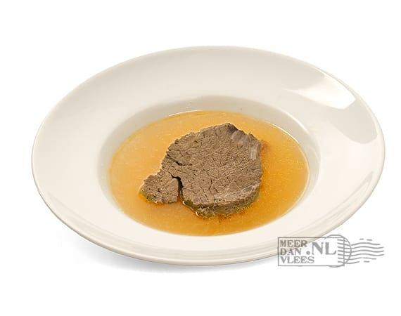 Echte runderbouillon van soepvlees en runderbotten