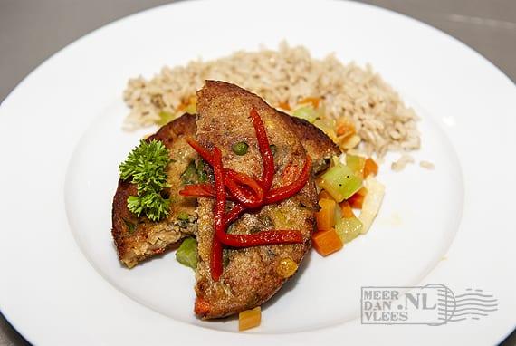Vegetarische schnitzel met garnituur