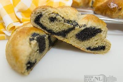 Mohnkranzerl – Paasbroodjes met maanzaad