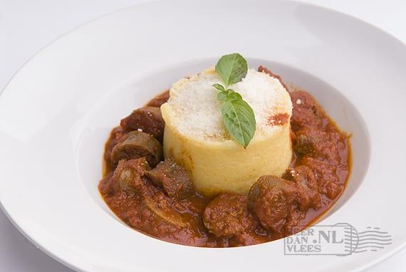 Polenta e salsiccia, polenta met Italiaanse verse worst