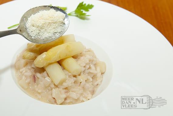 Risotto met witte asperges – risotto agli asparagi bianchi