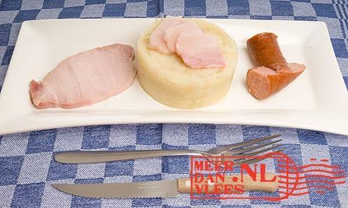 Stamppot zuurkool met rookworst, spek en Casseler rib