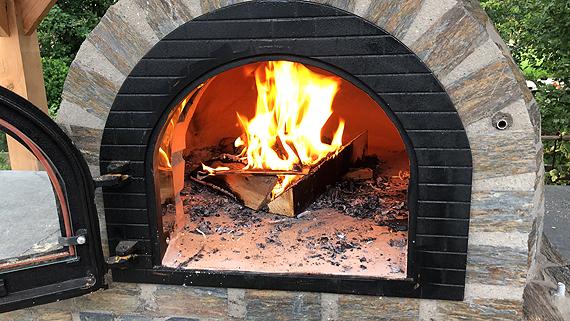 Ovenschotel met palmkool en pancetta uit de houtoven