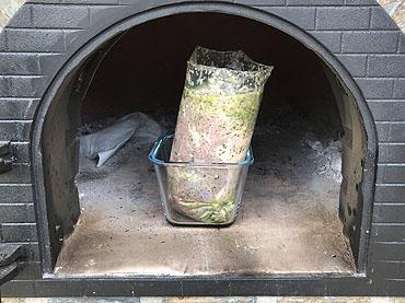 Lamsbout, slow cooked uit de houtoven