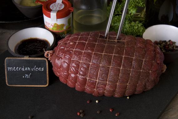 Gerookte tamme-eendenborst, rillettes, cranberries