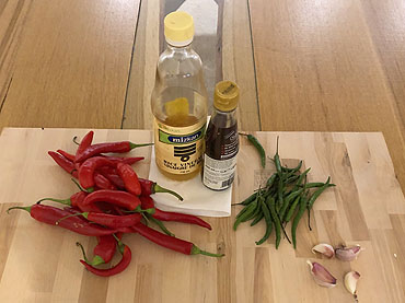 Sriracha, Thaise chilisaus
