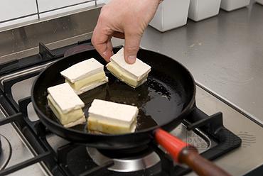 Tompouce van tofu met aardappelpuree