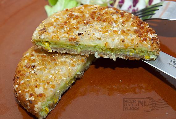 Vegetarische avocadoburger met parmentier en zilvervliesrijst