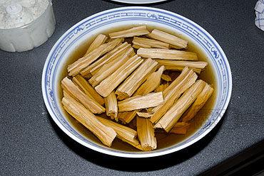 Fu-zhu, tofustengels