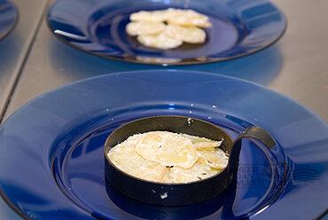 Gravad lax met Scandinavische aardappelsalade