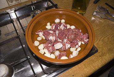 Tajine van lamsvlees met kardoen
