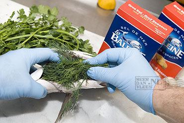 Dorade in zoutkorst met gegrilde groente
