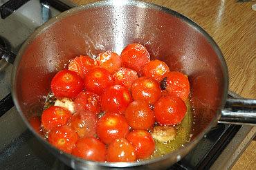 Gevulde aubergines (melanzane ripiene, melanzane a barchetta)