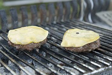 Cheese-and-baconburger