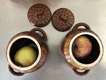Gepofte appel uit de houtoven