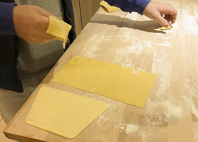 Cannelloni, ricotta en spinazie, met sugo en Parmezaan